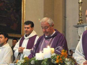 """Pistoia, prete attacca Salvini: """"Con le sue leggi Gesù non s"""