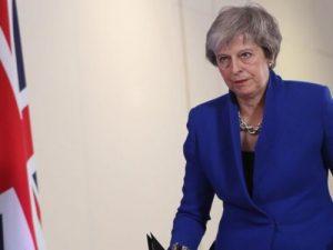 """Brexit, la May ottiene fiducia in Parlamento e si salva: """"Or"""