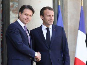 """Crisi Italia-Francia, Giuseppe Conte prova a placare le polemiche: """"Amicizia salda, non si discute"""""""