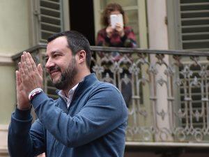 """Trivelle, Matteo Salvini a M5S: """"Non si può dire 'no' a tutto e andare in giro con le candele"""""""