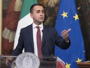 """Migranti, Luigi Di Maio: """"Vedo lacrime di coccodrillo per i"""