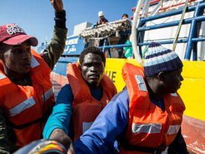 """Oms: """"I migranti non portano malattie, sono più vulnerabili"""
