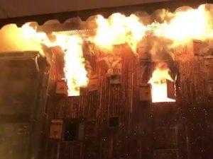 Savoia, maxi incendio distrugge uno ski resort: almeno 2 mor