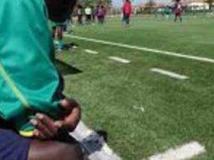 """""""Scimmione, negro di m…"""", insulti razzisti tra calciatori un"""