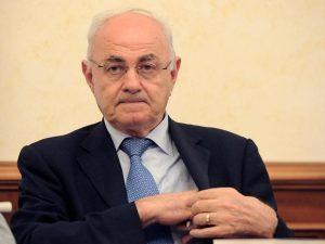 Elio Lannutti alla Presidenza della Commissione banche: diff