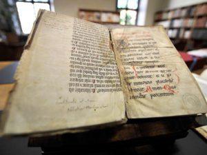 Bibbia di Gutenberg: il 23 febbraio del 1455 veniva stampato