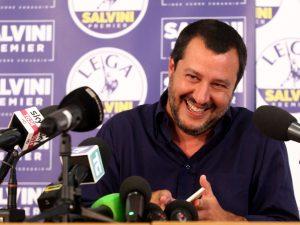 """Diciotti, migranti chiedono risarcimento. Salvini: """"Posso da"""