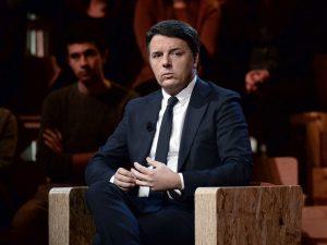 """Matteo Renzi: """"Decisione assurda, per i miei genitori umilia"""