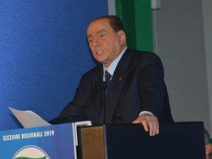 """Arresto genitori Renzi, Silvio Berlusconi: """"Le disgrazie deg"""