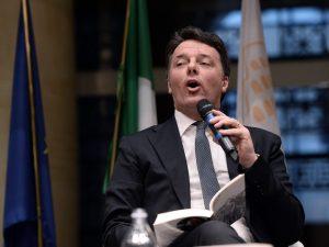 """Matteo Renzi dopo l'arresto dei genitori: """"Orgoglioso e fier"""