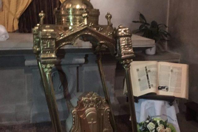 Crocifissi spezzati e madonne fatte a pezzi: 5 chiese profanate e ...