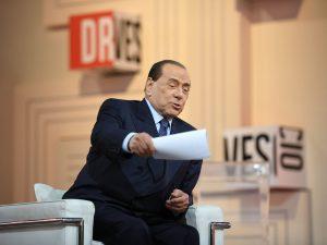 """Elezioni Basilicata, Berlusconi dall'ospedale dà istruzioni ai suoi: """"Centrodestra può farcela"""""""