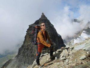 Piemonte, alpinista precipita per 200 metri e muore: la trag