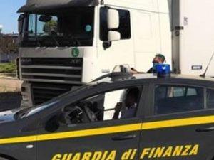 Ventimiglia, migranti chiusi in Tir rischiano asfissia: liberati dal Guardia di finanza