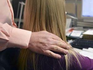 La Spezia, atti sessuali su una bimba: arrestato 65enne, la