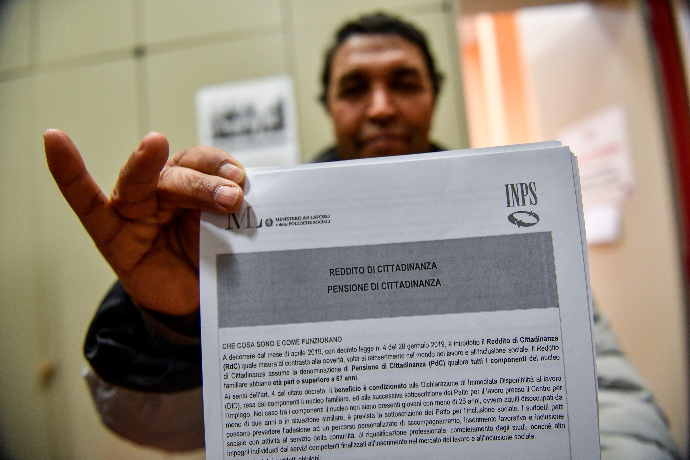 Reddito di cittadinanza, l'Inps comunica: Accetteremo il ...
