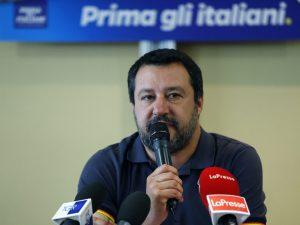 Sea Watch, Salvini indagato per sequestro di persona: Tribunale dei ...