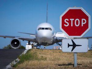 Paura in volo, prende fuoco la ruota di un aereo Air France a Firenze: ...