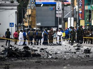"Attentati in Sri Lanka, l'Isis rivendica. Il governo: ""Vende"