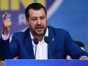 """Decreto Sicurezza bis, M5S: """"Con le correzioni è svuotato"""". Salvini: ..."""