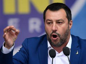 """Sea Watch, Salvini: """"Se il comandante della nave è indagato"""