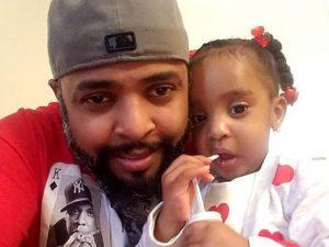 Zoey, morta a 3 anni intrappolata nell'auto in fiamme del pa
