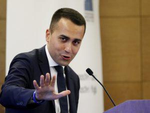 Vitalizi, ex senatore denuncia Luigi Di Maio per definire il