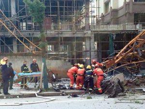 Cina, crolla il tetto di un locale notturno: almeno 3 morti