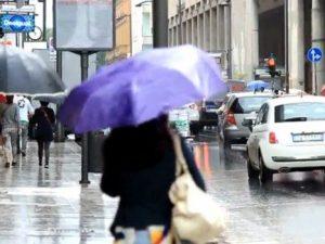 Maltempo, allerta meteo domani per forti piogge: l'elenco de