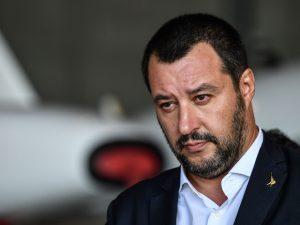 """Salvini: """"Non c'è nessun finanziamento. Sono solo colpevole"""