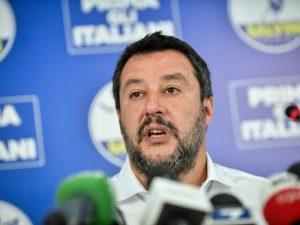 "Caso Bibbiano, Salvini elogia Nek e Laura Pausini: ""Onore a"