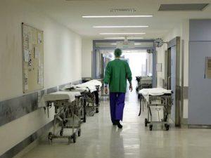 Bolzano, 19enne muore soffocato da una merendina mentre è ri