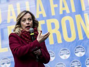 """Giorgia Meloni: """"C'è un piano per destrutturare la nostra so"""