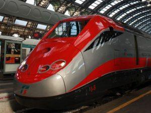 """Coronavirus, passeggeri bloccati su due treni: """"A bordo viag"""