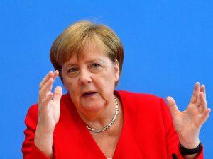 """Fondi russi a Lega, Merkel: """"Spetta all'Italia chiarire, ma"""