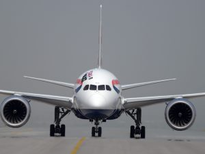 Coronavirus, la British Airways annuncia la sospensione di t