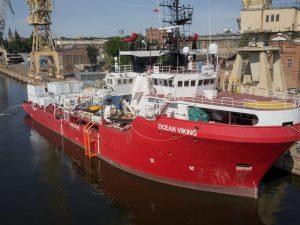 La Ocean Viking è arrivata al porto di Taranto con 176 migra