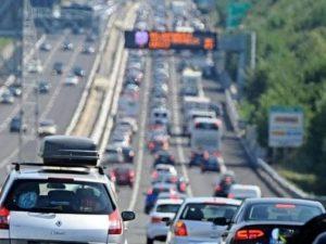 Autostrade    Aspi blocca l'aumento dei pedaggi per altri due mesi