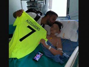 """Alessandro, investito a Cerignola, è uscito dal coma: """"Ha un"""