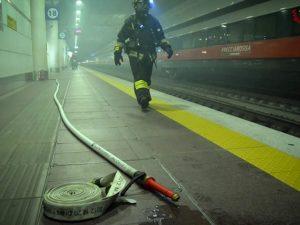 Incendio nel pacco batterie del Frecciarossa, fumo in galler