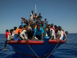 """Migranti, Alarm Phone: """"Barchino alla deriva con 12-14 persone a bordo"""""""