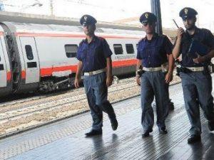 Treni, piromane incendia cabina elettrica, Italia spaccata i