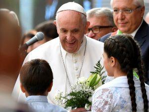 """Papa Francesco: """"La ricchezza è lo sterco del diavolo, le re"""