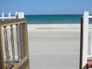 L'onorevole con casa abusiva che vuole lo stop ai vincoli di edificazione in spiaggia in