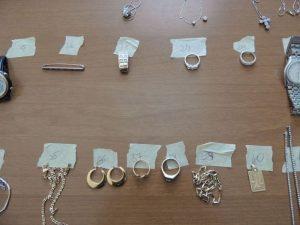 Massa Carrara, carabiniere ruba soldi e gioielli sequestrati