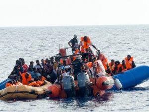 Ocean Viking salva altri 73 migranti: ora sono in 182 a bord