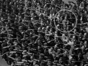 August Landmesser: 75 anni fa moriva l'uomo che si rifiutò d