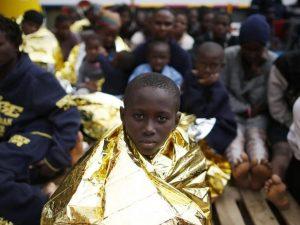 """Migranti, Onu chiede a Ue di proteggere i bambini: """"Le loro"""