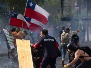 Il Cile rivive l'incubo repressione, ma per gli eurodeputati