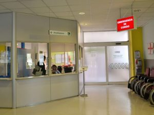 Reggio Emilia, ragazza di 22 anni muore all'ospedale dopo in